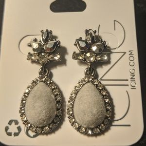 NWT Grey Faux Diamond Drop Earrings
